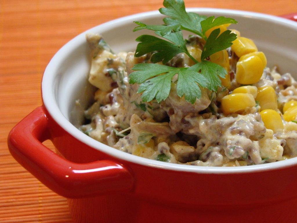 Szybka sałatka z indykiem i ryżem